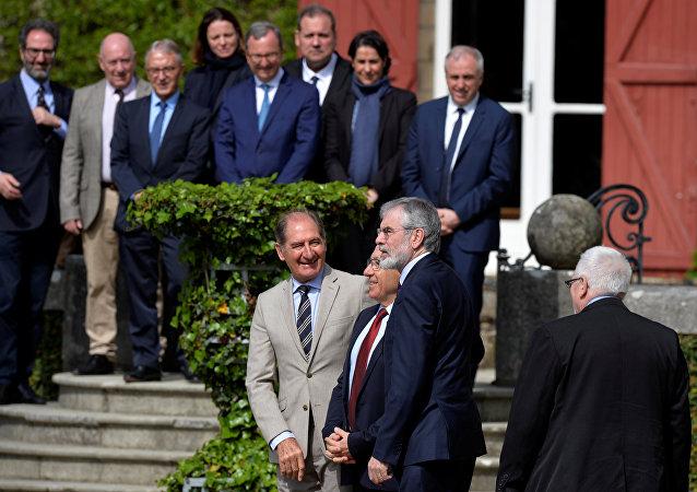 Brian Currin, abogado sudafricano, y otros promoters de paz en el País Vasco