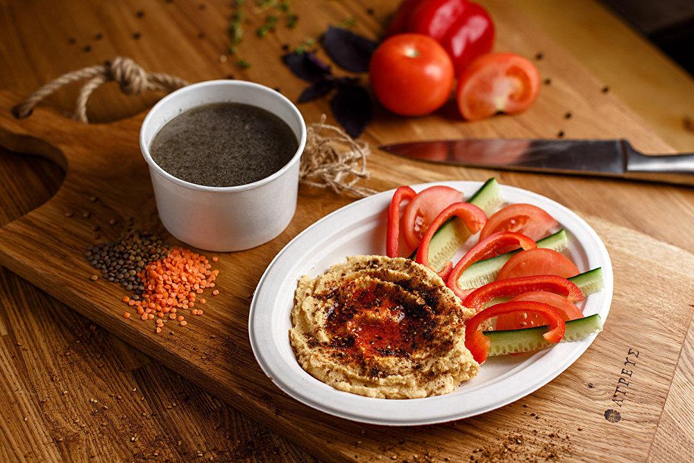 El humus casero en el restaurante Meatball Box