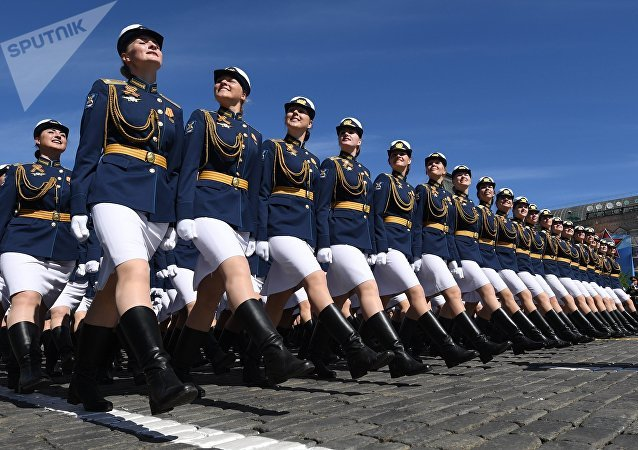 Las cadetes de la Universidad Militar del Ministerio de Defensa de Rusia, durante el Desfile del Día de la Victoria en la Plaza Roja