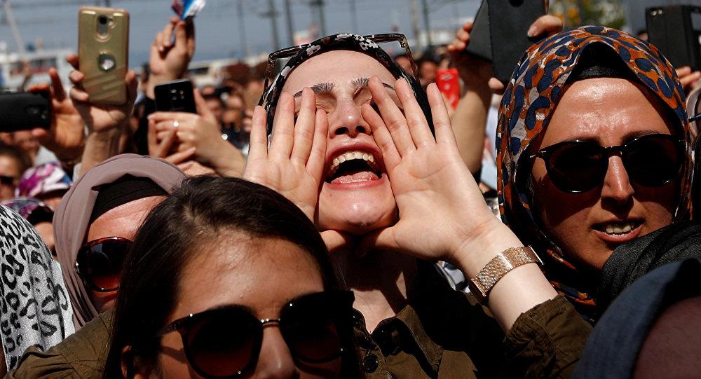 Partidarios del presidente turco, Recep Tayyip Erdogan, en Estambul, Turquía (imagen referencial)