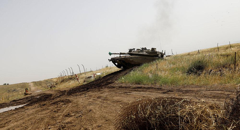 Un tanque israelí en la frontera con Siria