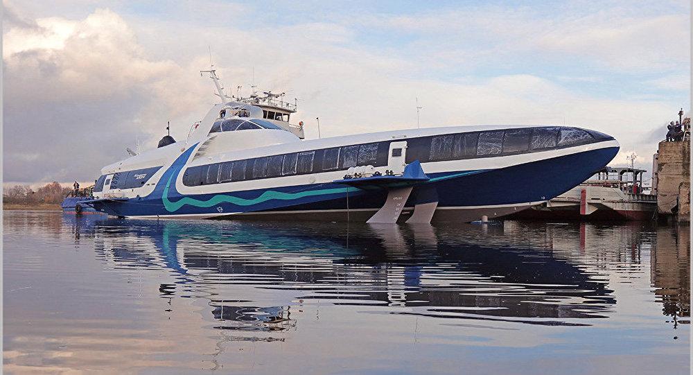El barco hidroala ruso Kometa 120M durante las pruebas en Sevastopol