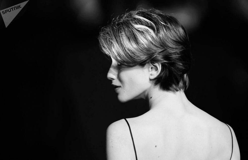 Alessandra Ambrosio, Irina Shayk y Bella Hadid en blanco y negro en Cannes