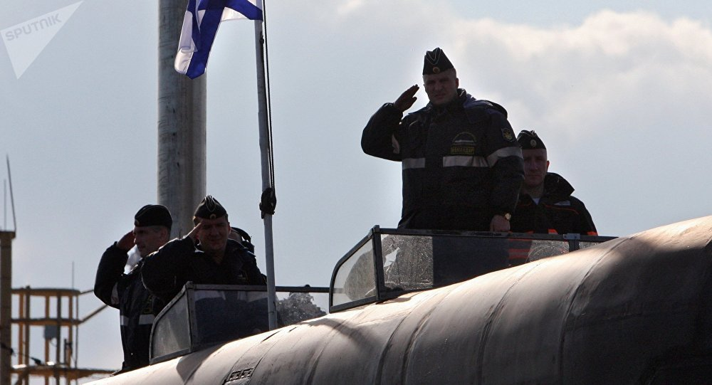 Tripulantes del submarino nuclear Vladímir Monomaj (archivo)