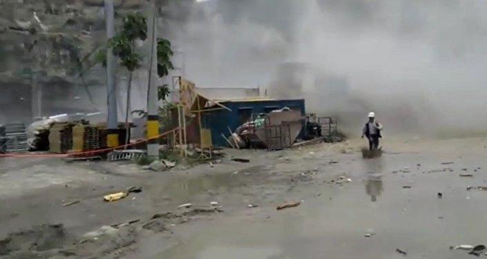 Publican un vídeo del derrumbe de una presa en Colombia