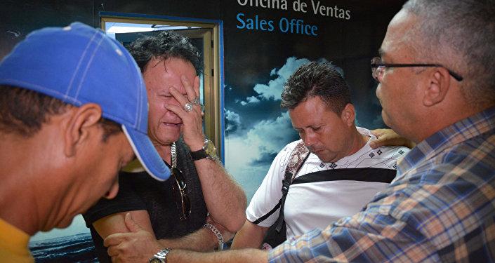 Los familiares de los pasajeros que viajaban en el avión Boeing 737 que se estrelló en La Habana