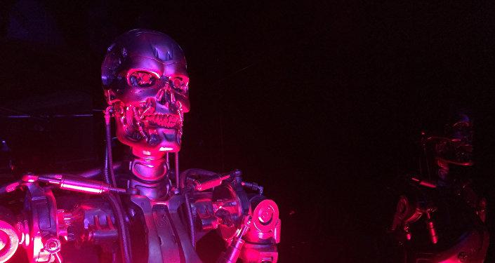 Un robot-terminator, imagen referencial