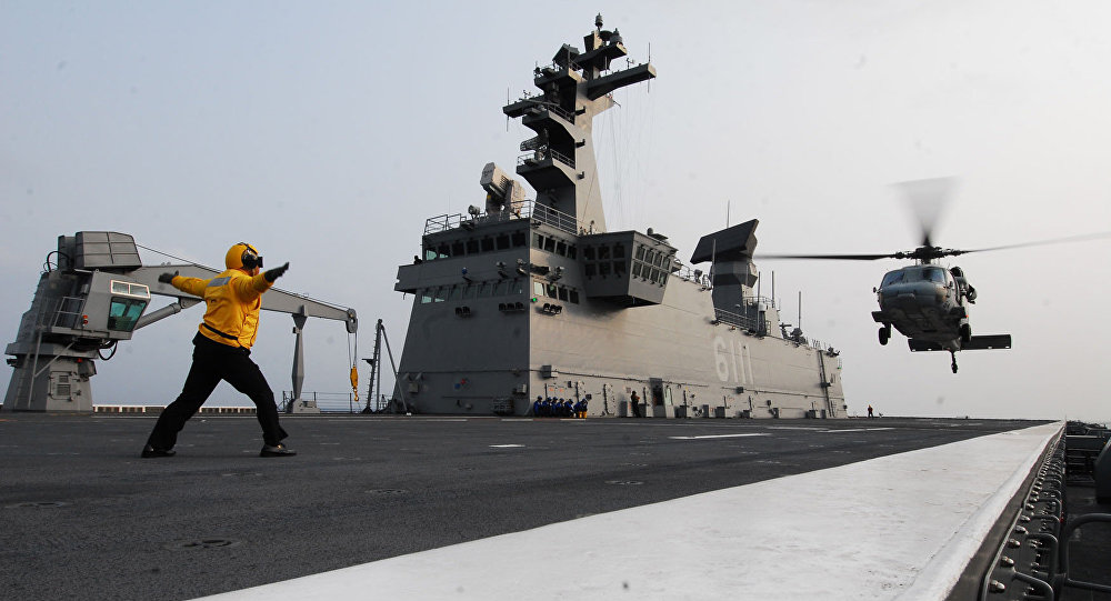 Un buque de clase Dokdo