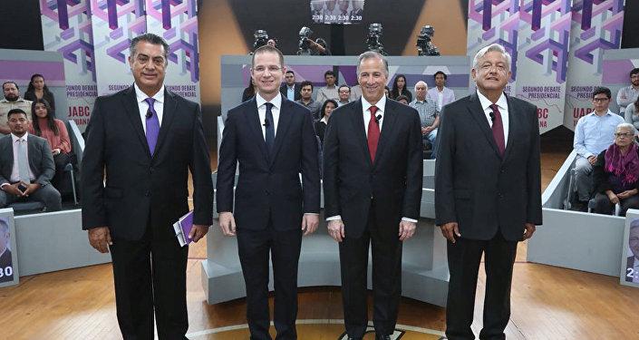 Jaime Rodriguez Calderon, Ricardo Anaya, Jose Antonio Meade y Andres Manuel Lopez Obrador en Tijuana durante el segundo debate.