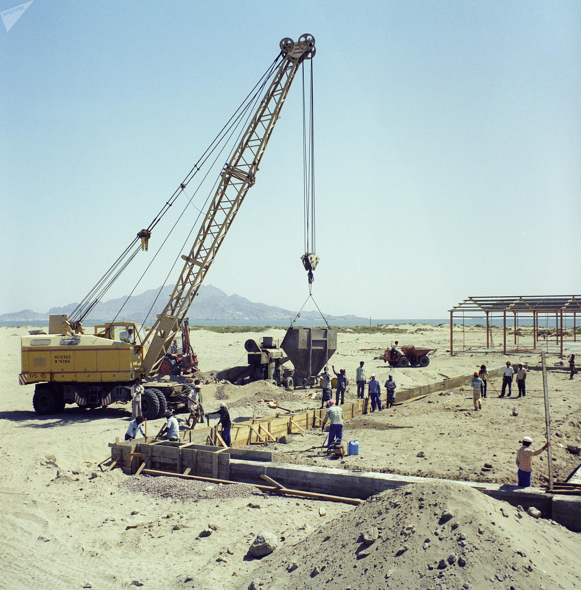 La construcción de una central termoeléctrica en Yemen, realizada en cooperación con la URSS