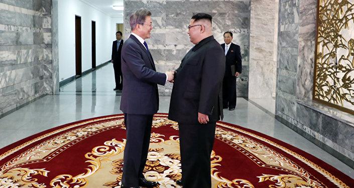 Kim y Moon celebran una segunda cumbre en la zona desmilitarizada