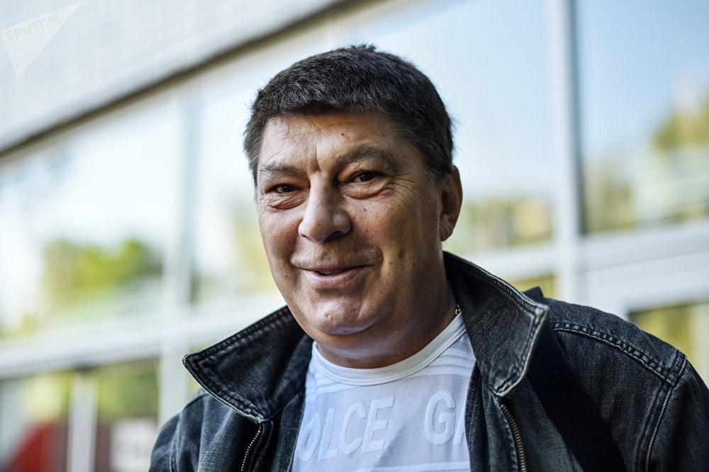 Rinat Dasáyev, hablando con Sputnik