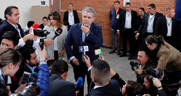 Iván Duque durante la jornada electoral del 27 de mayo