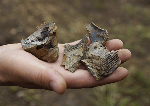 Fragmentos de un proyectil lanzado por la artillería de las Fuerzas Armadas de Ucrania en la región de Lugansk (archivo)