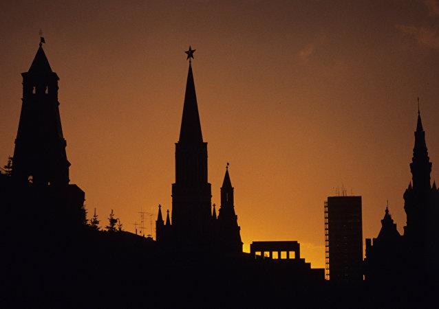 La Plaza Roja bañada por la luz de una puesta del sol
