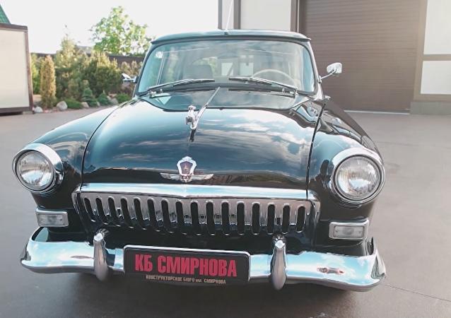 Ponen a la venta un lujoso auto retro, diseñado especialmente para Putin