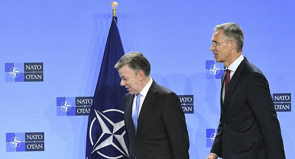 Juan Manuel Santos, presidente de Colombia, y Jens Stoltenberg, secretario general de la OTAN
