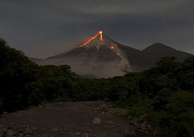 El volcán de Fuego en Guatemala (archivo)
