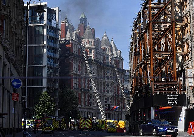 Incendio en un hotel en el centro de Londres