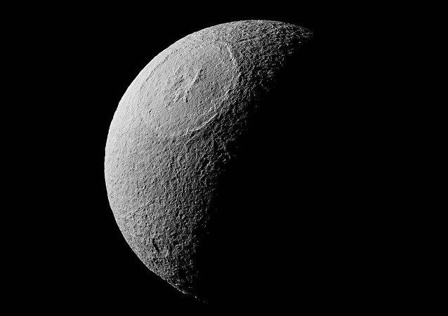 Tethys, una luna de Saturno