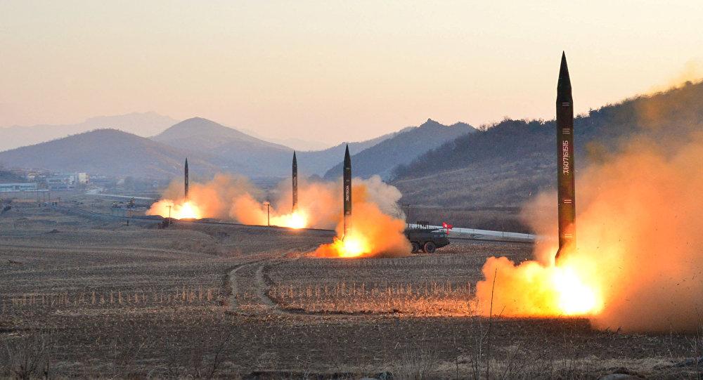 El lanzamiento de misiles balísticos por Corea del Norte