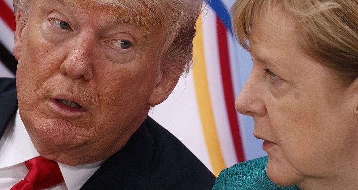 El presidente de Estados Unidos, Donald Trump y la canciller alemana, Angela Merkel