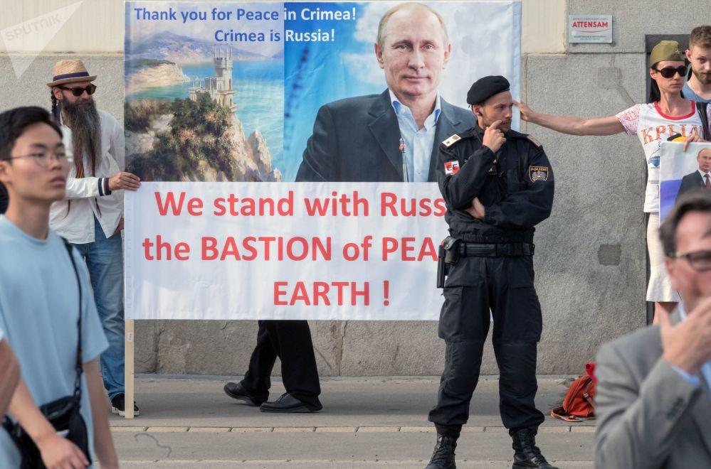 Cohetes, protestas y el inicio del verano: las fotos más bonitas de esta semana
