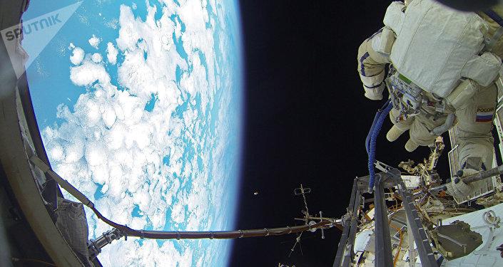 Cosmonautas de Rusia en la EEI (archivo)