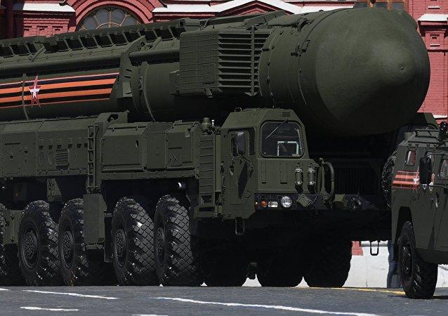 Sistema de misiles RS-24 Yars durante el Desfile del Día de la Victoria en la Plaza Roja, Moscú, Rusia