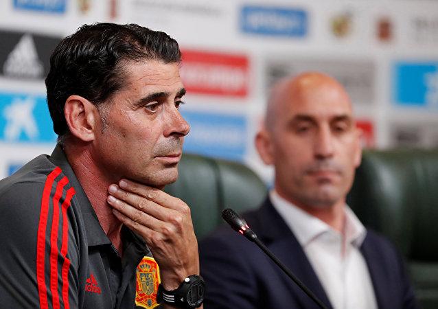 Fernando Hierro, entrenador de la selección española de fútbol