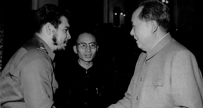 Ernesto Guevara con Mao Tse Tung
