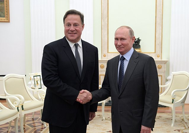 El presidente de Panamá, Juan Carlos Varela durante el encuentro con su homólogo ruso, Vladímir Putin