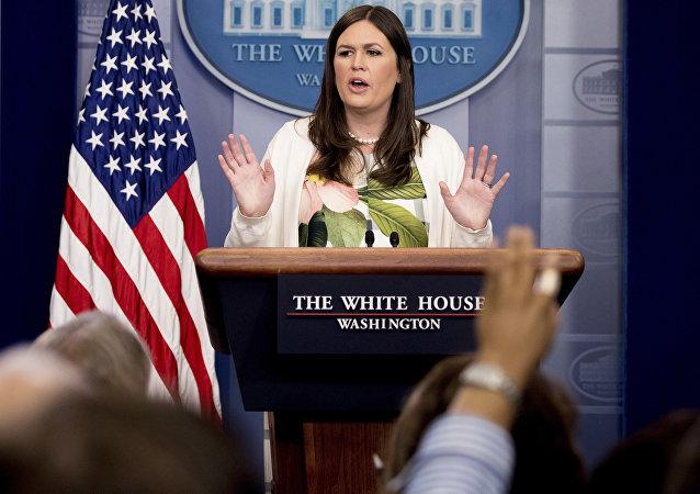 Sarah Huckabee Sanders, portavoz de la Casa Blanca