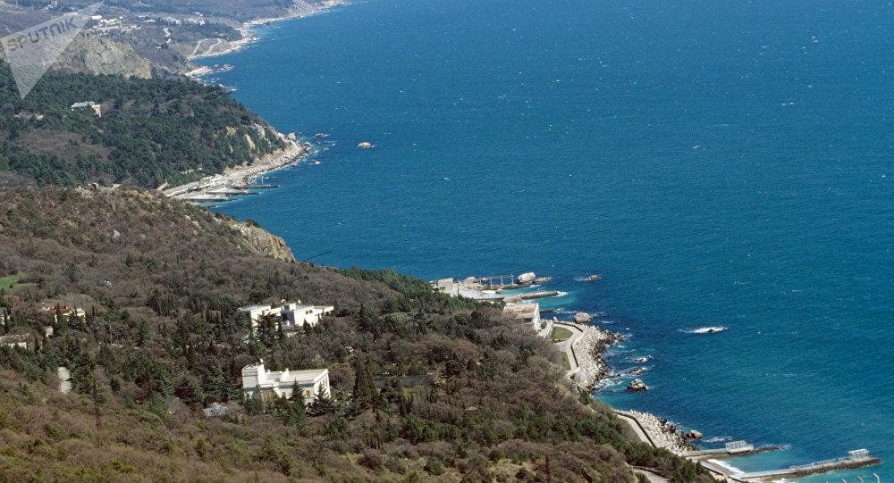 La costa de la península de Crimea