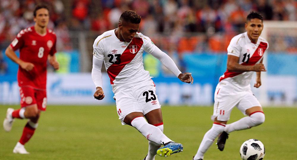 El partido entre Perú y Dinamarca