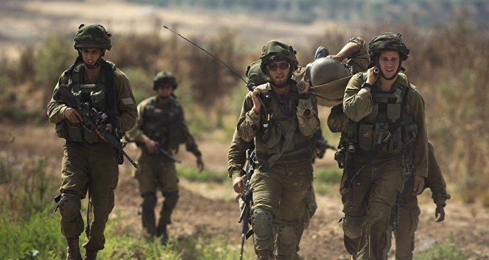Soldados israelíes al lado de la frontera de la Franja de Gaza (archivo)