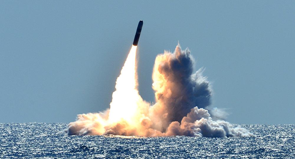 Lanzamiento de un misil (imagen referencial)