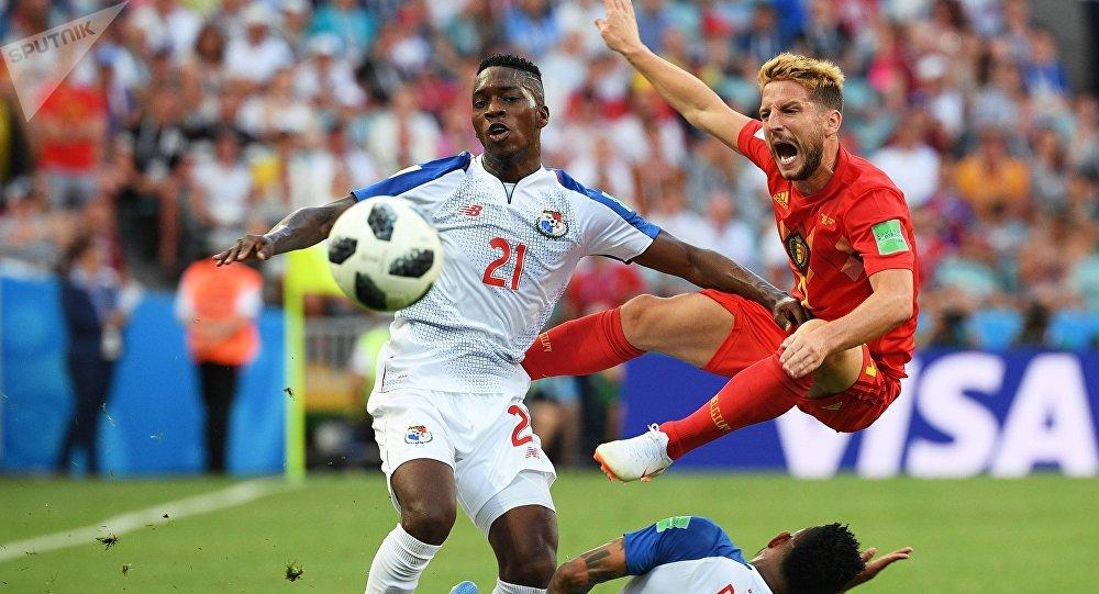 Futbolistas durante el partido entre Panamá y Bélgica