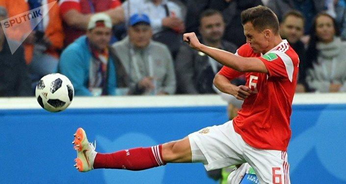 Futbolista Denis Cherishev de la seleccion rusa