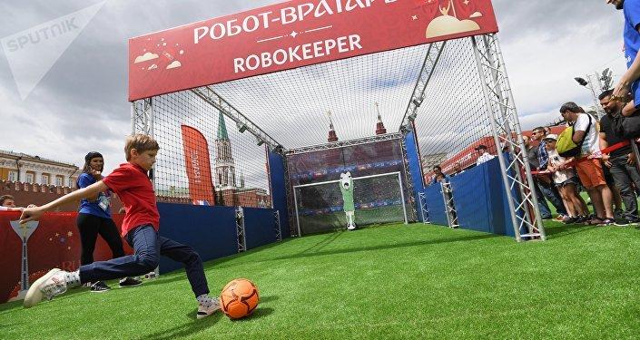En la Plaza Roja de Moscú se abre el parque dedicado al Mundial de fútbol 2018