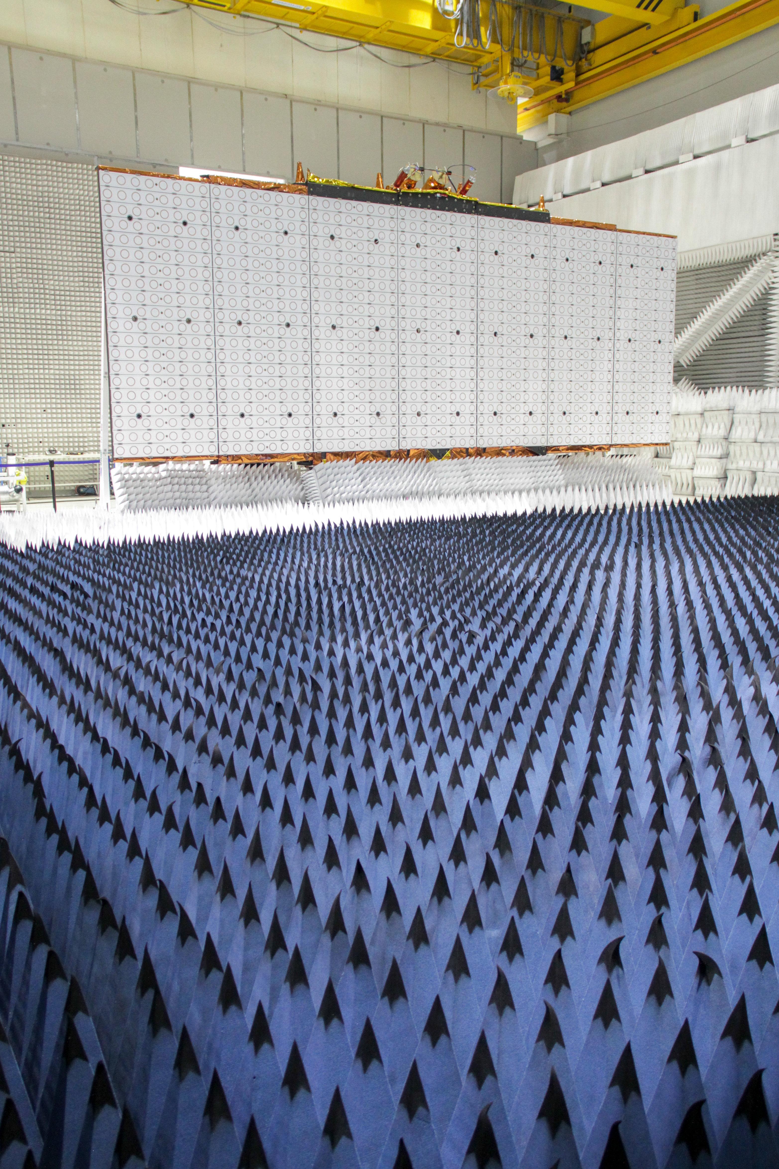 Instalaciones de INVAP, la empresa estatal argentina encargada de la construcción de sus nuevos satélites