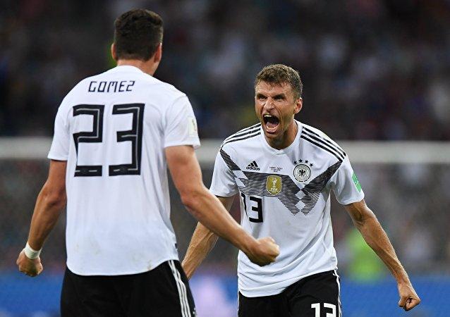 Los jugadores de la selección Alemana reaccionan a su victoria