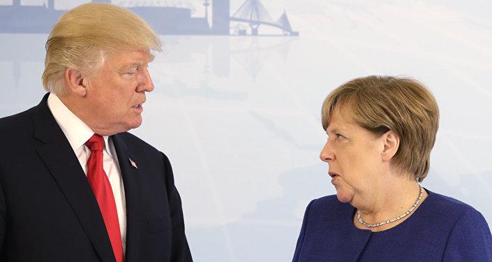 El presidente de EEUU, Donald Trump, y la canciller de Alemania, Angela Merkel