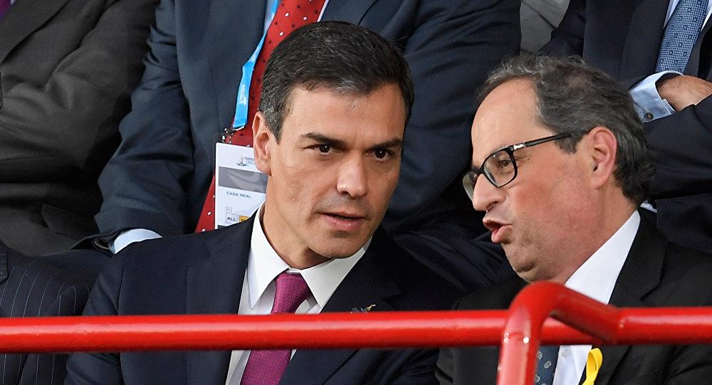 El presidente del Gobierno de España, Pedro Sánchez, y el presidente de la Generalitat de Cataluña Quim Torra (archivo)