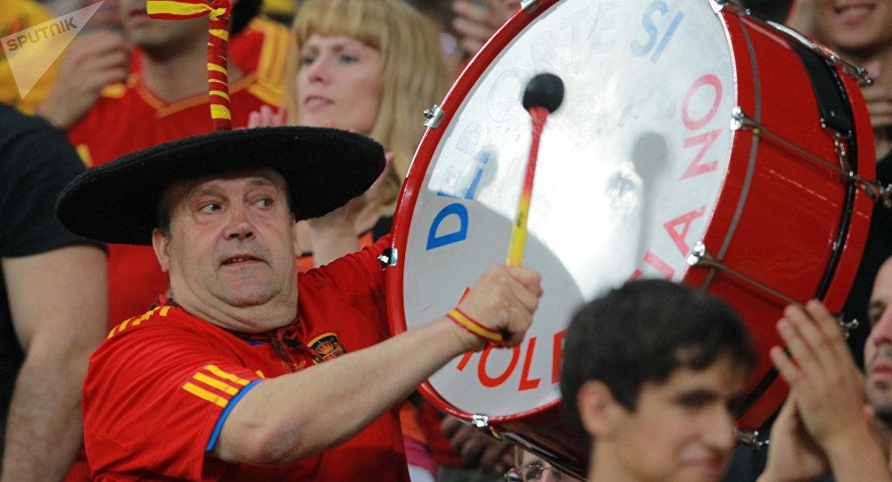 Manolo el del Bombo, hincha de la selección española de fútbol