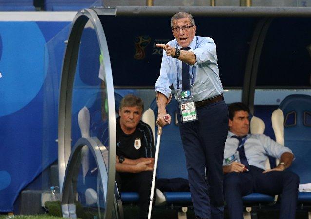 Óscar Tabárez, entrenador del equipo de Uruguay