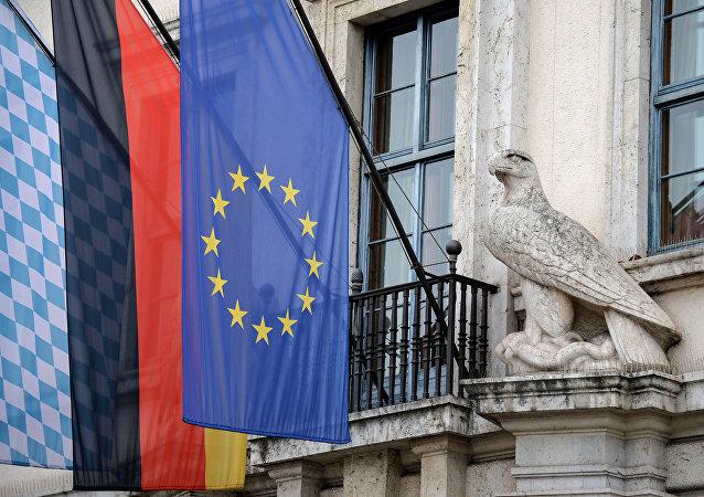 Las banderas de Baviera, Alemania y la UE
