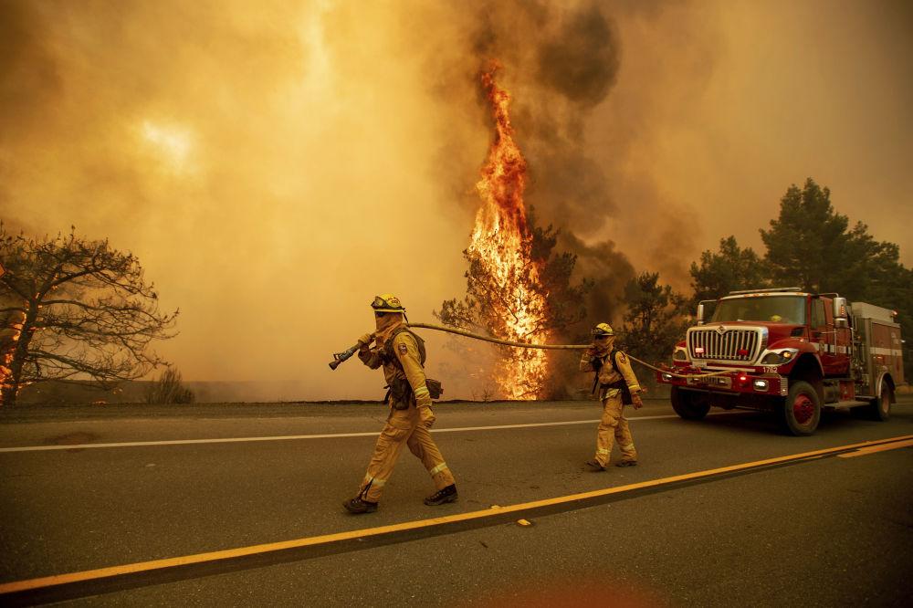 Los incendios forestales devoran California