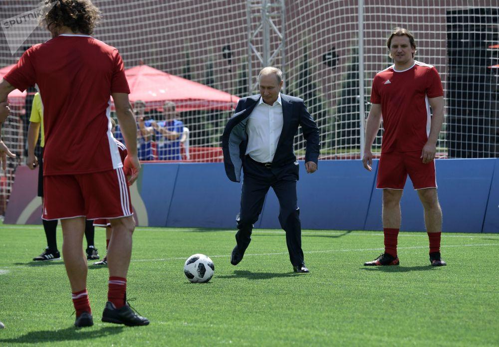 Vladímir Putin y el deporte rey