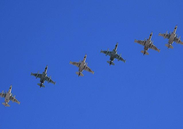 Aviones de asalto ruso Su-25 (imagen referencial)